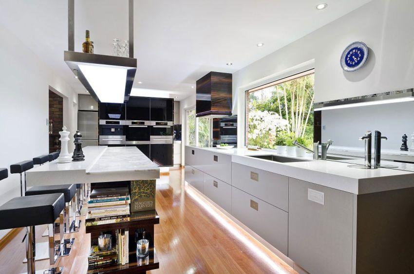 Стандартные размеры нижнего ряда кухни обычно составляют 85 см
