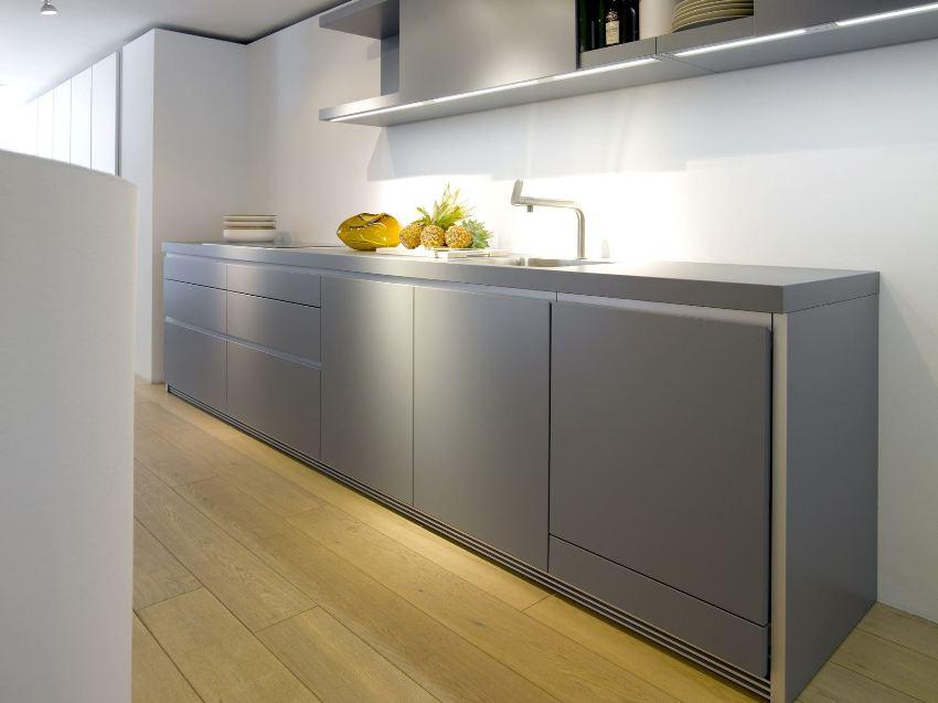 Глубина нижних шкафов должна составлять не меньше 46 см