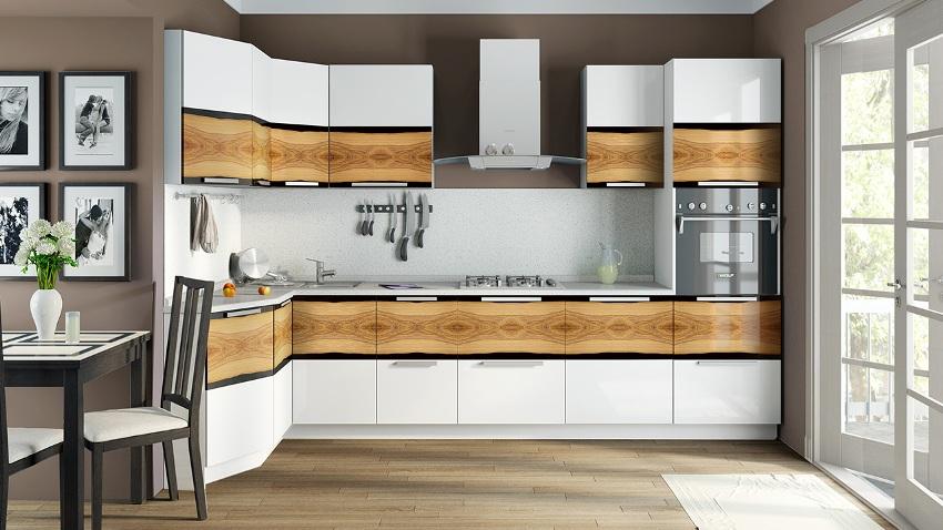 Угловая модель кухонного шкафа к стене прилегает не одной, а сразу двумя стенками, которые должны иметь ширину 60 см