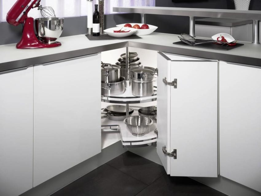 Профессионалы рекомендуют подбирать размеры угловой кухни по своему желанию и удобству