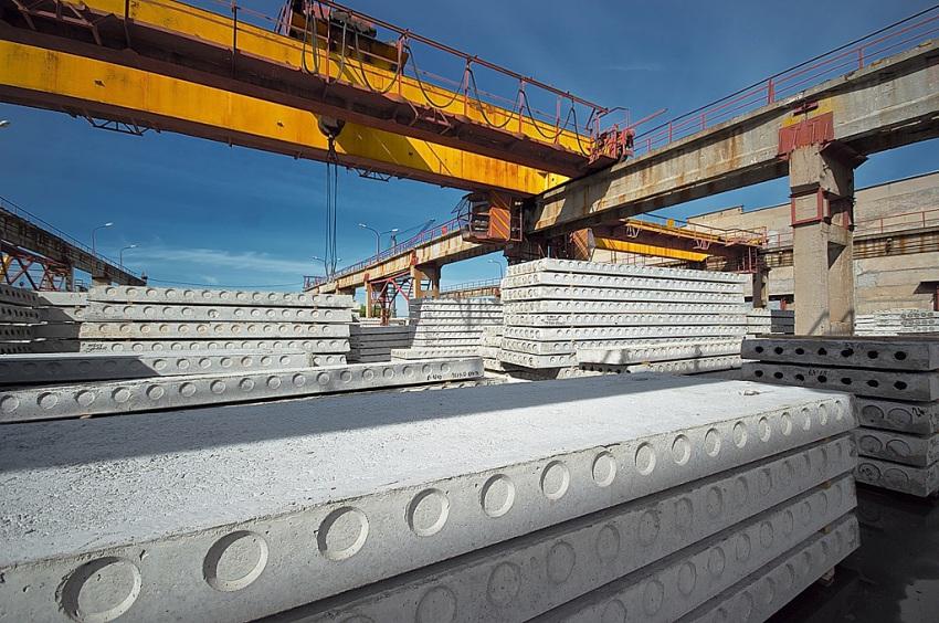 Железобетонные плиты перекрытия изготавливаются из конструкционных тяжелых и легких бетонных смесей