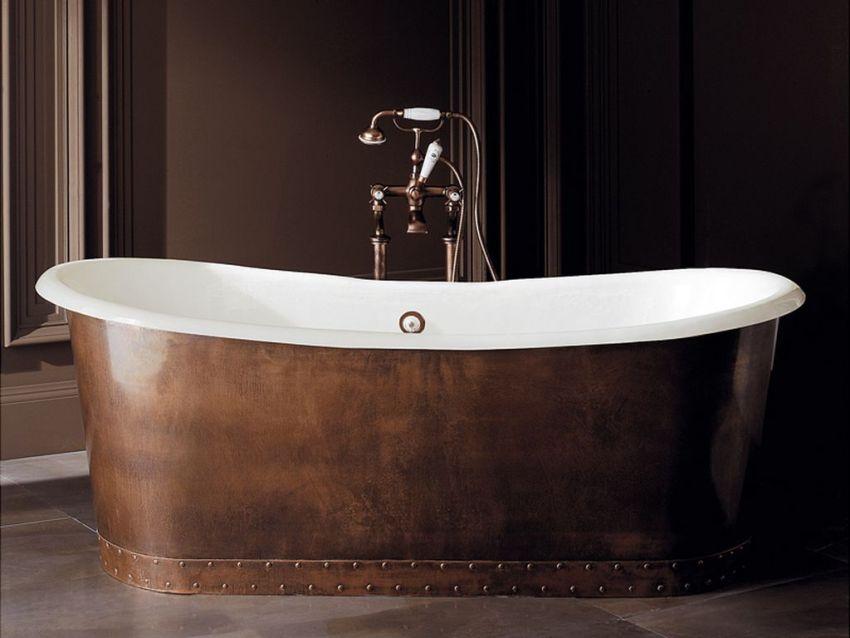 Чугунную ванну большого размера не рекомендуют устанавливать в домах с деревянными перекрытиями