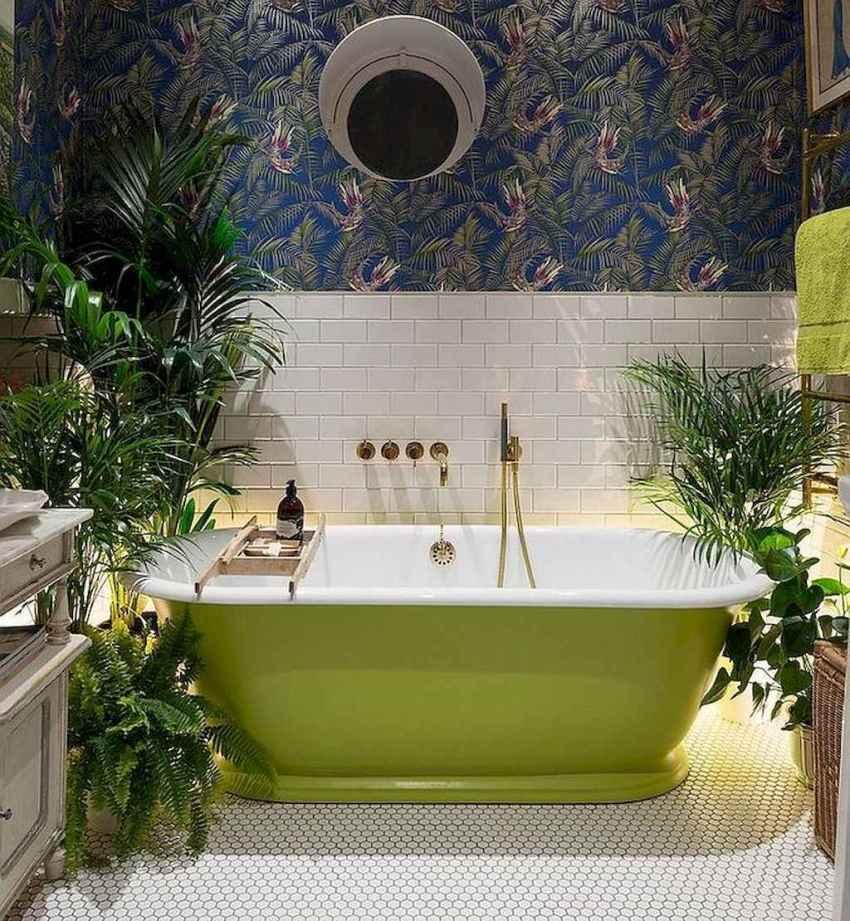 Чугунные ванны, представленные иностранными производителями, часто обладают довольно небольшими размерами
