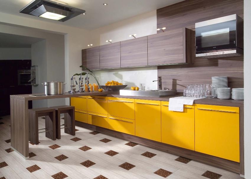 На кухне стеновые панели из МДФ чаще всего используют для отделки фартука, но нередко и для частичной или полной обшивки стен