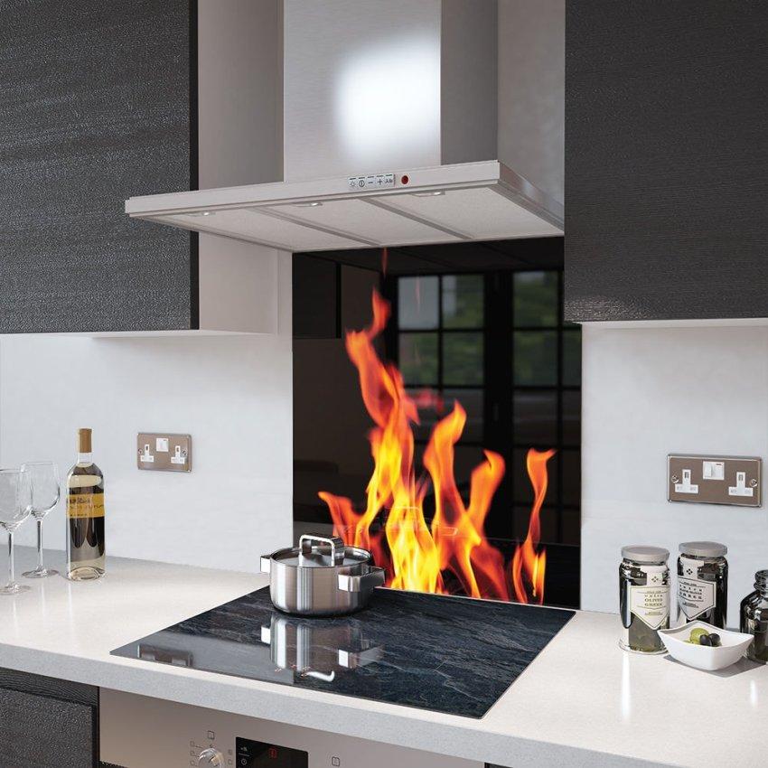 Прежде чем выбирать панели на кухню, нужно рассмотреть несколько вариантов, отличающихся по материалу изготовления и виду
