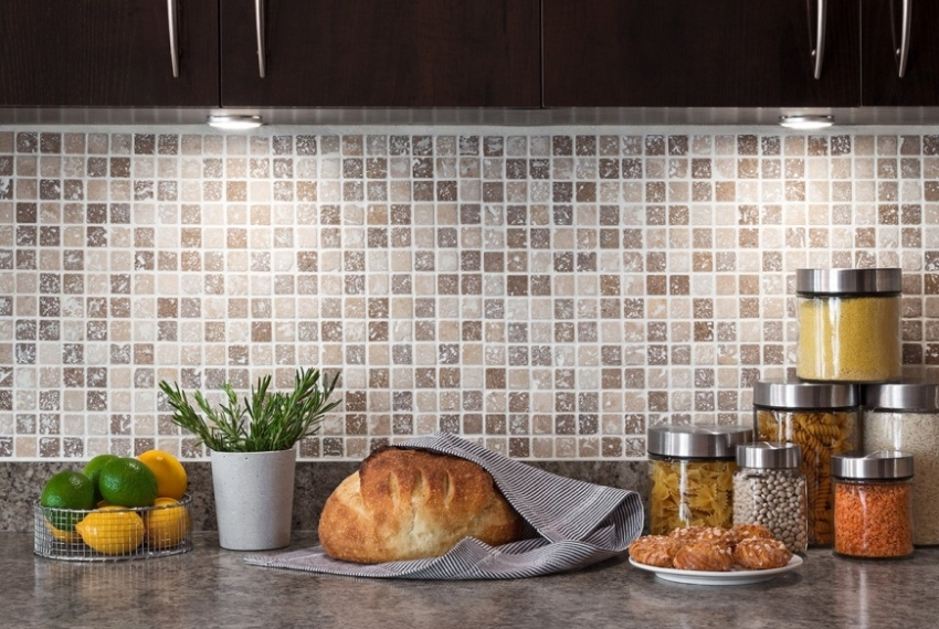 Стеновые панели могут выпускаться в виде плитки