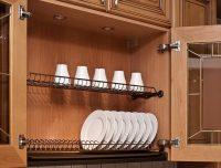 Современные сушки для посуды могут быть фиксированными или съемными