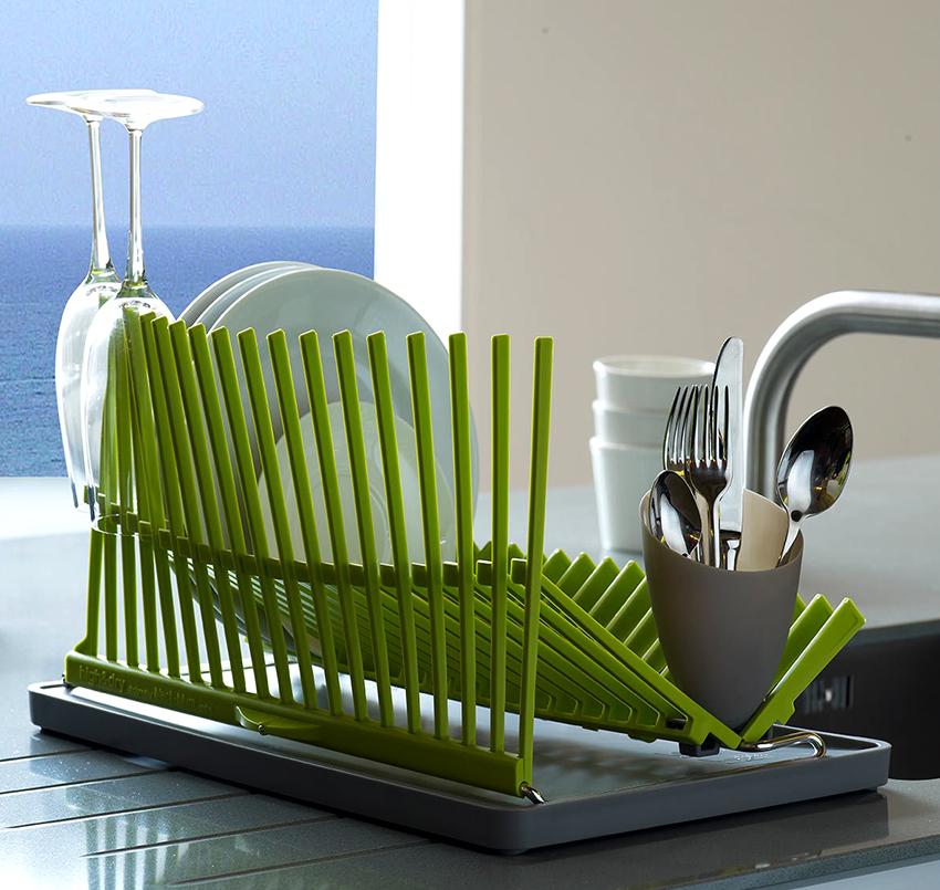 Настольную сушилку для посуды можно поставить в любое удобное место возле мойки