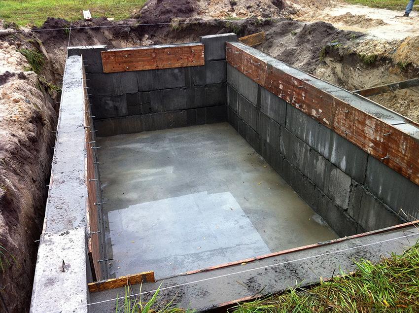 Для строительства подвальных помещений применяются блоки плотностью 2 т/м³