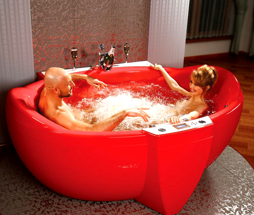 Литьевые акриловые ванны имеют очень высокую стоимость