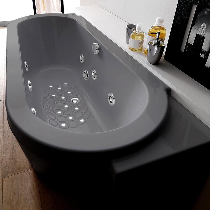 Ванны из акрила могут изготавливаться любой формы, чугунные и стальные изделия этим похвастаться не могут