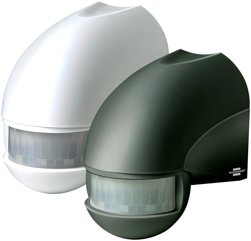 При выборе датчика движения для включения света нужно знать, что устройства бывают как уличного, так и бытового типа