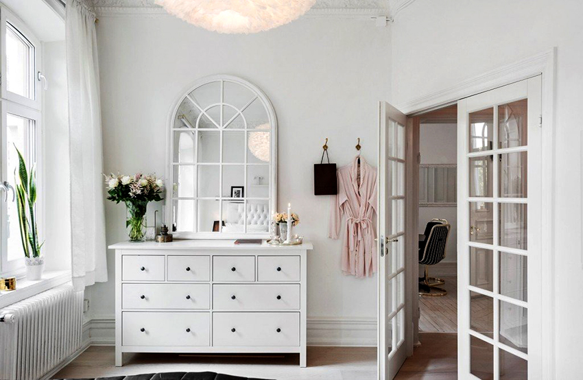 Комод можно разместить в любом помещении квартиры или дома