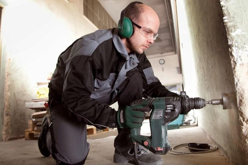 Для работы с насадкой размером 110 мм понадобится перфоратор мощностью не менее 100 Вт
