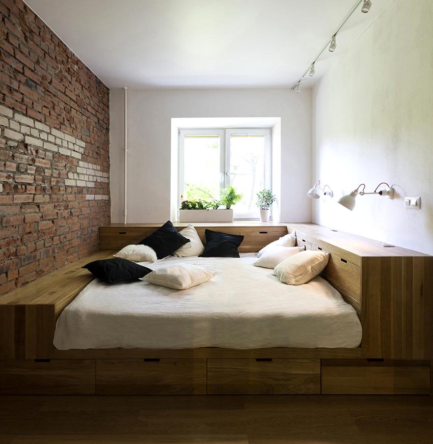 В продаже можно встретить интересные модели кроватей с ящиками