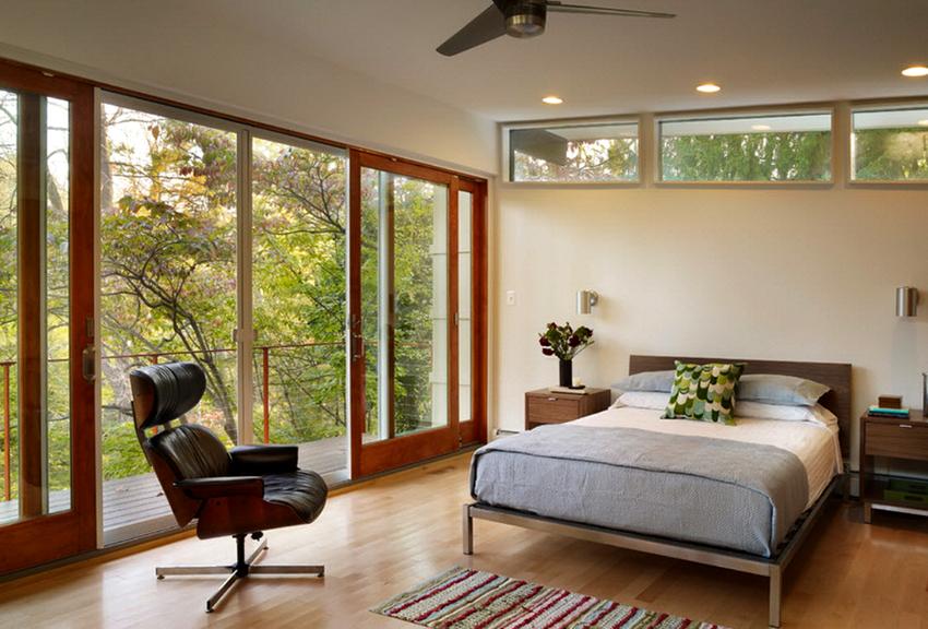 Раздвижные конструкции часто используются для остекления балконов и лоджий