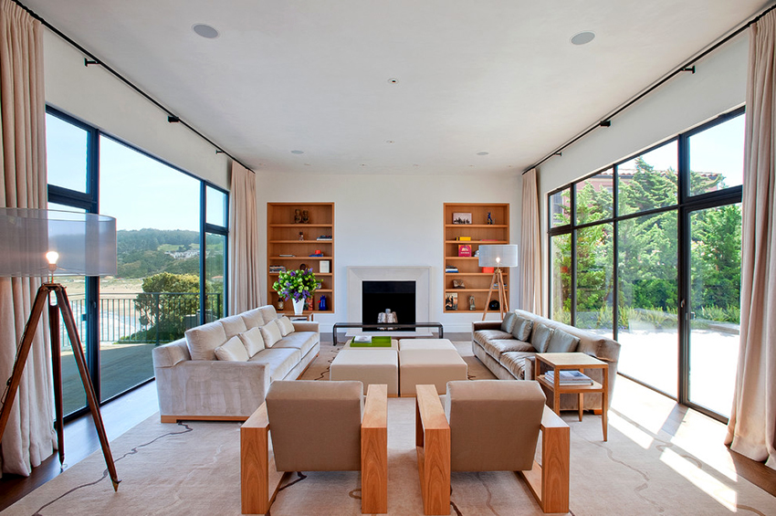 Компания IKEA предлагает огромный выбор современных диванов на любой достаток