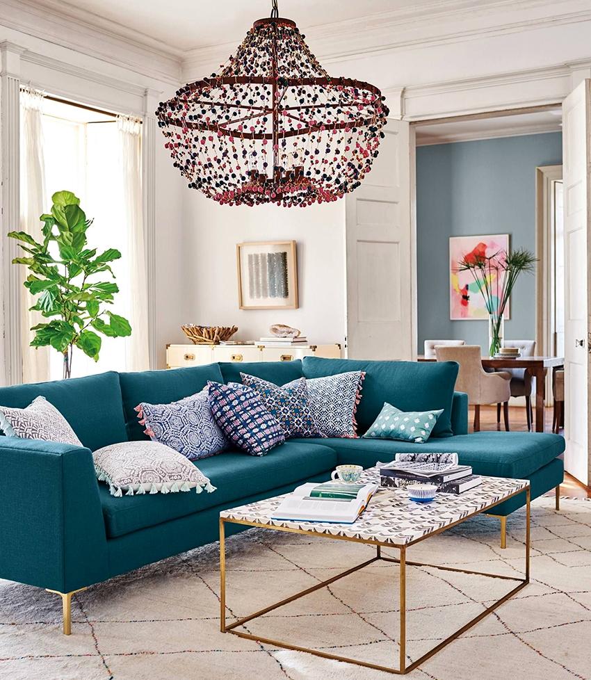 Угловые диваны со спальным местом бывают двух видов: Г- и П-образные