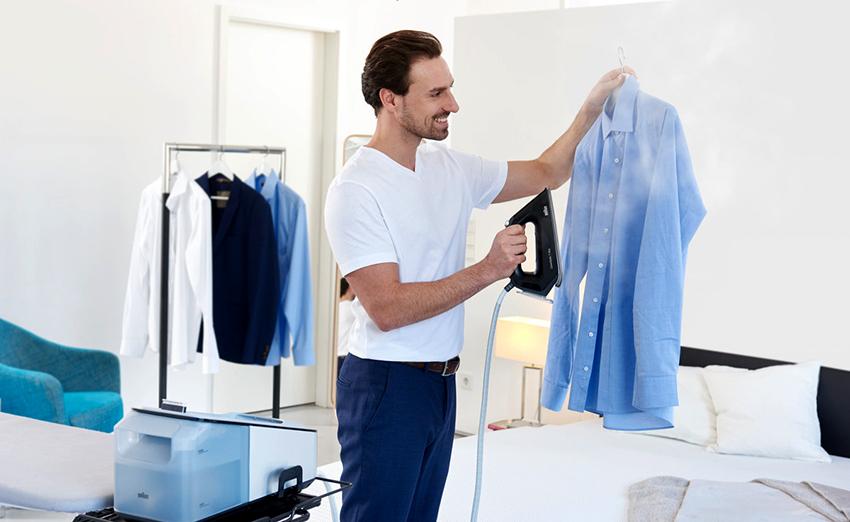 Комбинированные утюги позволяют утюжить одежду не только в горизонтальном положении, но также и в вертикальном