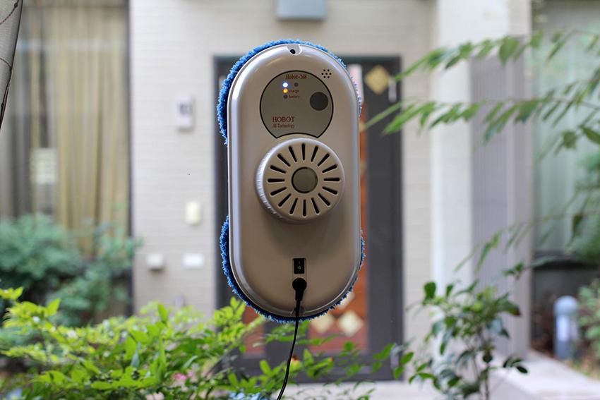 Роботы для мытья окон могут выполнять влажную и сухую чистку