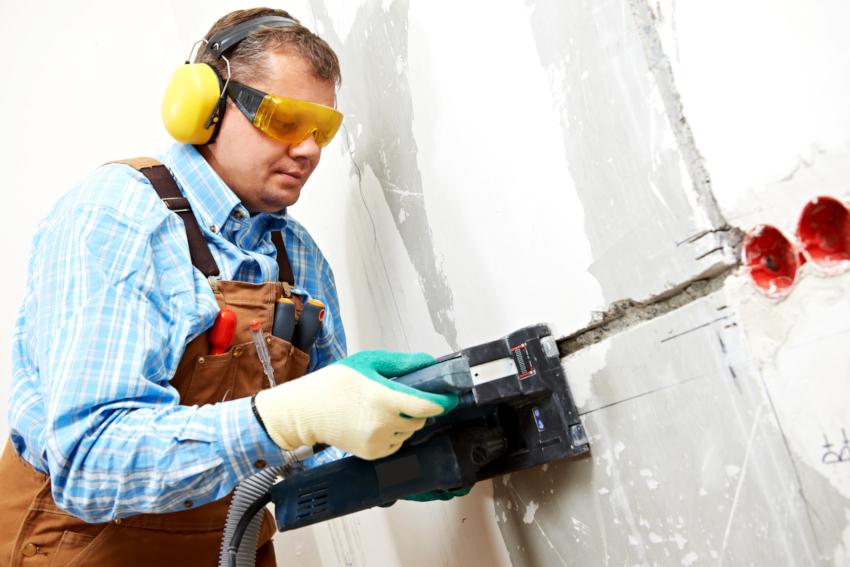 В домашних условиях применяется бытовые штроборезы мощностью 900-1300 Вт
