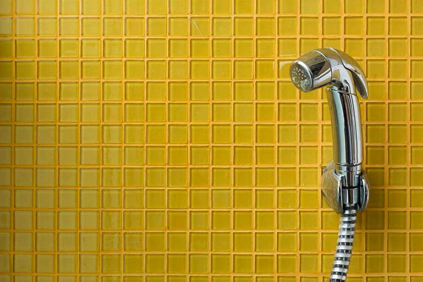 Стенной гигиеничный душ нужно ставить на раунде ремонта