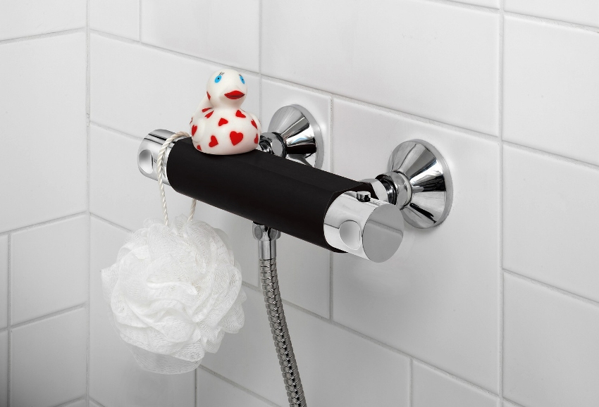 В случае прекращения поступления холодной воды из водопровода термостат автоматически прекратит подачу воды пользователю