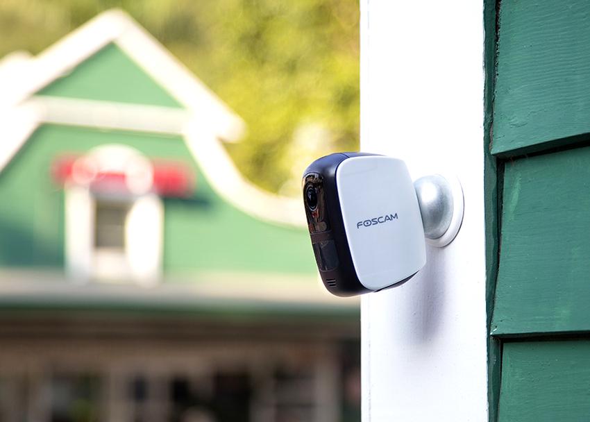 Видеокамеры с невысокой светочувствительностью и цветопередачей относятся к сегменту эконом-класса