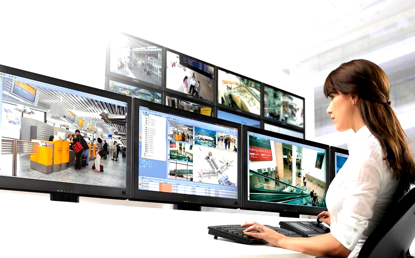 Система видеонаблюдения состоит из видеокамер, квадраторов, мультиплексоров, видеорегистраторов, видеомониторов и пультов