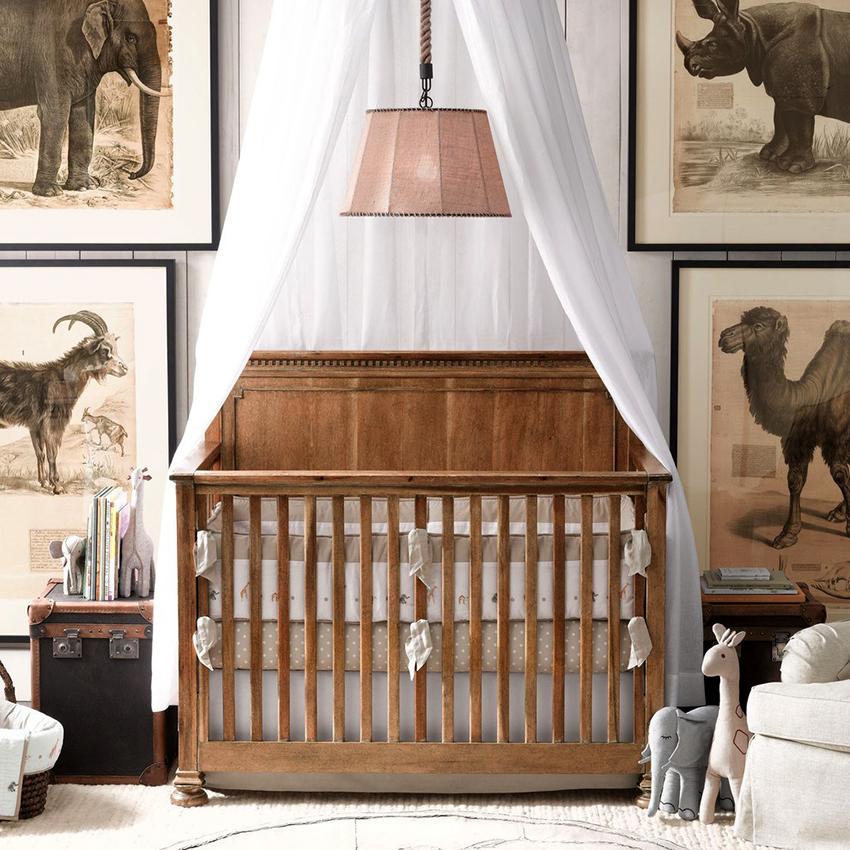 Кроватку для новорожденного с балдахином не рекомендуется ставить близко к окну или батареи