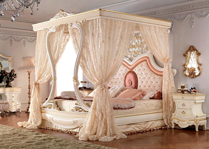 Наиболее естественно балдахин смотрится в таких стилях как классический и барокко