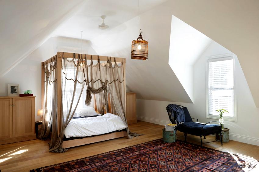 Балдахин из шелка применяется для создания невесомого дизайна