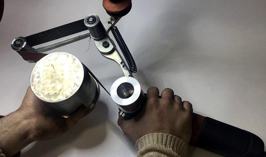 Устройство подходит для заточки, шлифовки, удаления ржавчины и заусенец