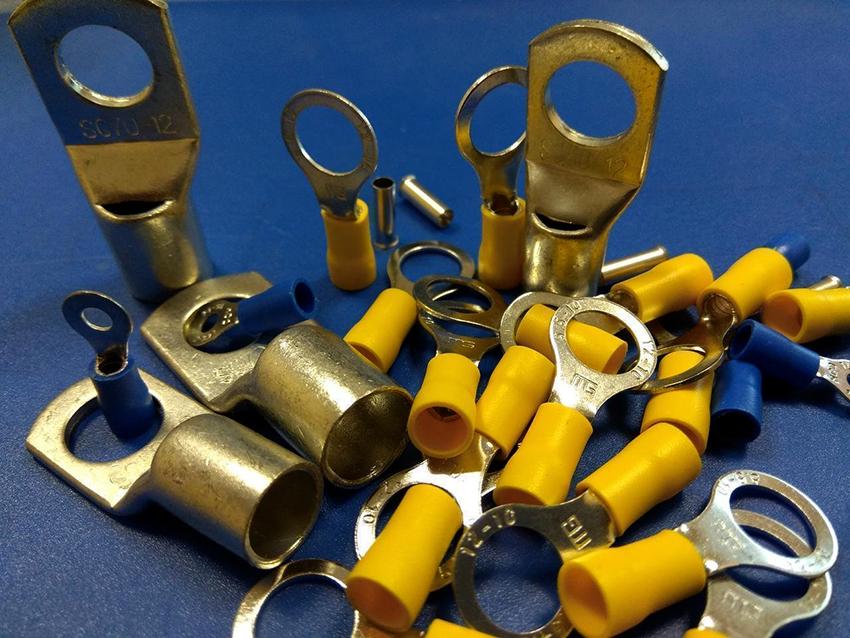 Кольцевые клеммы являются надежными, производятся из разных материалов