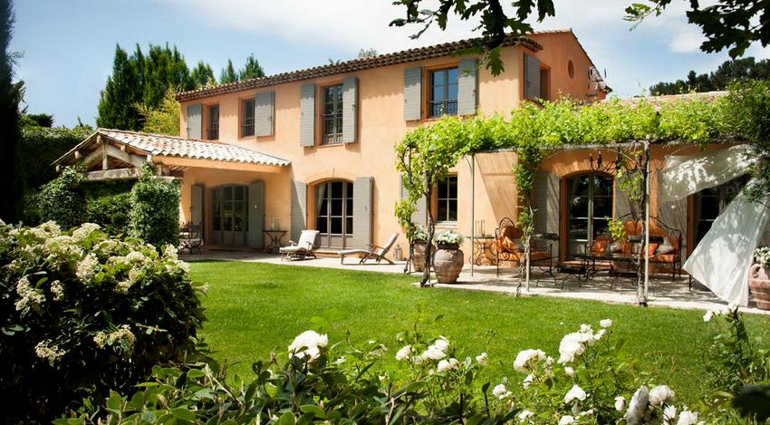 Современная штукатурка для фасадов характеризуется устойчивостью и долговечностью