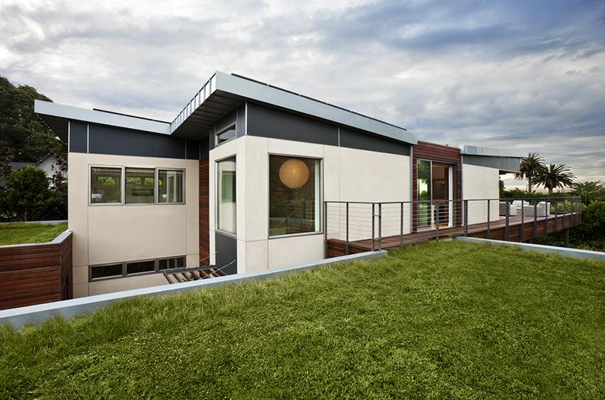 При подборе отделки фасада необходимо учитывать материал, из которого возведены стены