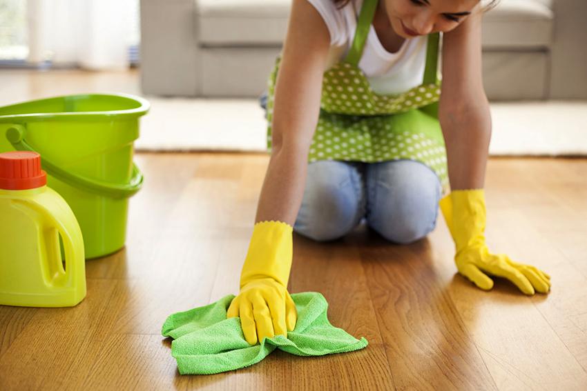 Появление дефектов на паркете может быть следствием не правильной уборки