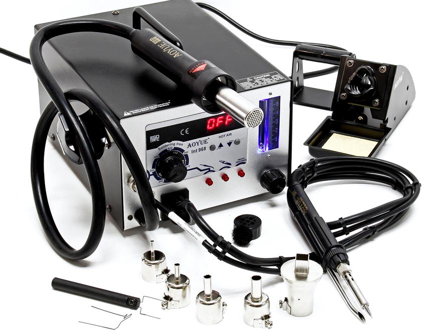 Паяльная установка с феном отличается от обычного паяльника тем, что способна оптимизировать температурный режим работы инструмента