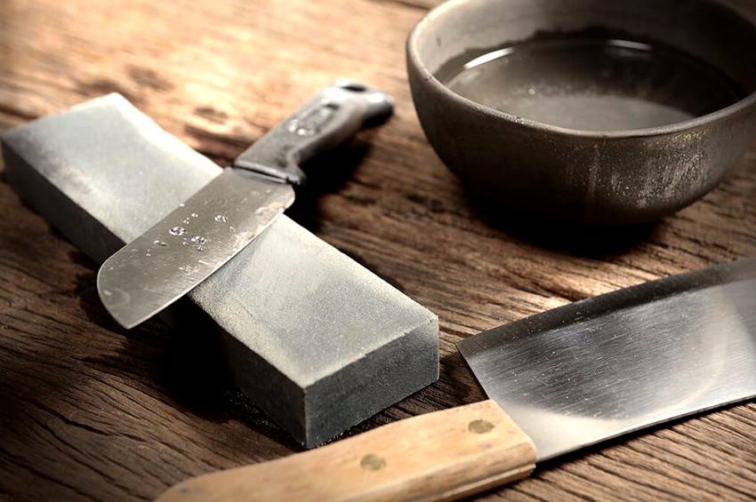 Чтобы выполнить грамотно заточку ножа, необходимо придерживаться определенных правил
