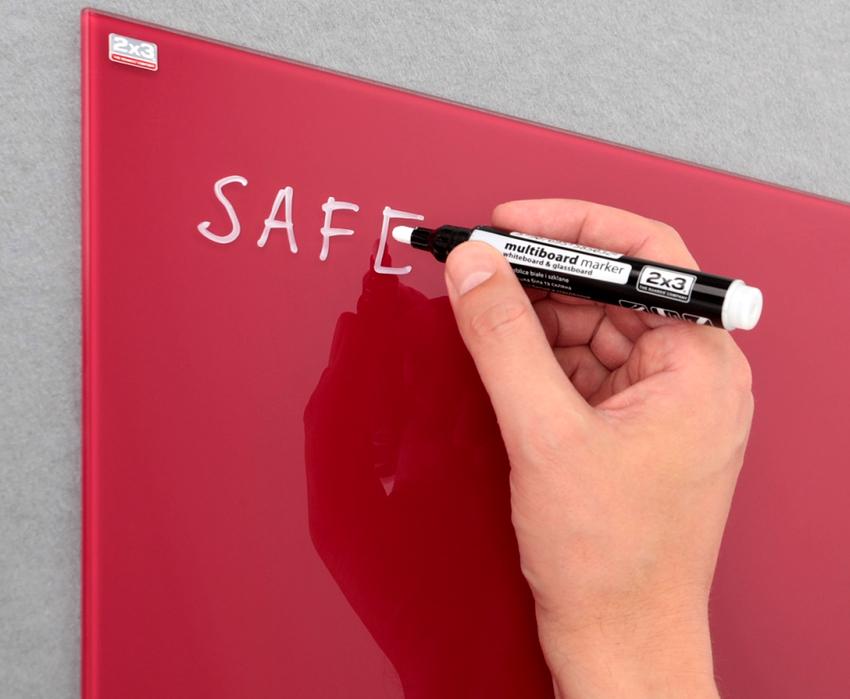 На магнитно-маркерных досках записи делаются не мелом, а маркером