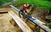 Пилорама из бензопилы позволит легко и быстро превратить бревна в брус