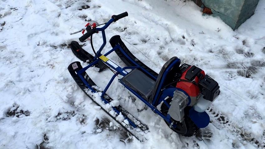 Для изготовления снегохода из бензопилы потребуется приобрести много дополнительных деталей