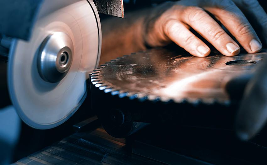 Установки для заточки дисков являются узконаправленными изделиями