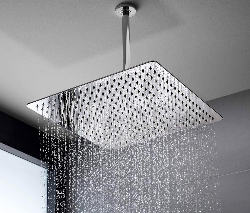 Если все работы выполнены аккуратно, то тропический душ, смонтированный своими руками, будет дарить только приятные ощущения