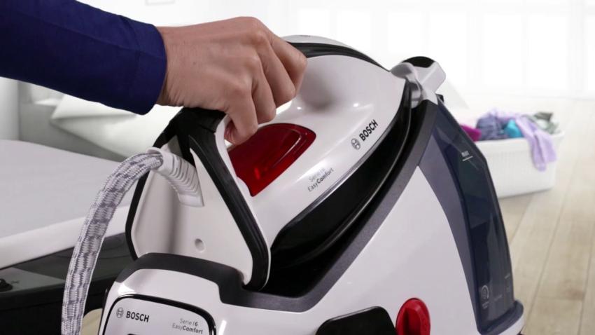 Модель утюга Serie 6 EasyComfort от компании Bosch имеет систему самостоятельного подбора температурного режима для каждого типа ткани