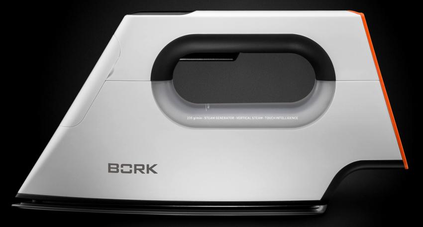 Ультрасовременный утюг Bork I780 имеет ЛЕД-экран, позволяющий быстро настроить прибор на работу с определённой тканью