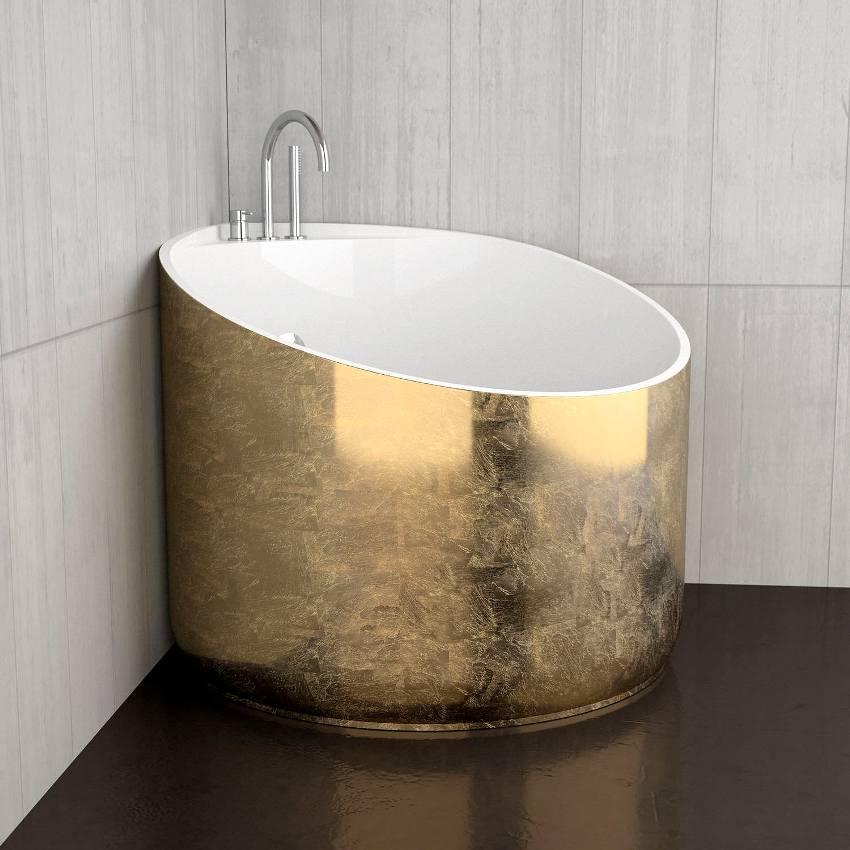 Сидячие ванны принимаются исключительно сидя, что нельзя сказать о душевых кабинках и обычных ваннах