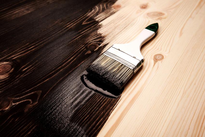 Покупая акриловую краску для древесины нужно обращать внимание на ее срок годности