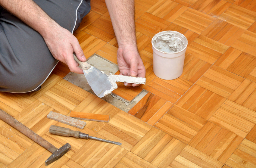 Циклевка полов проводится только после полного ремонта деревянных поверхностей