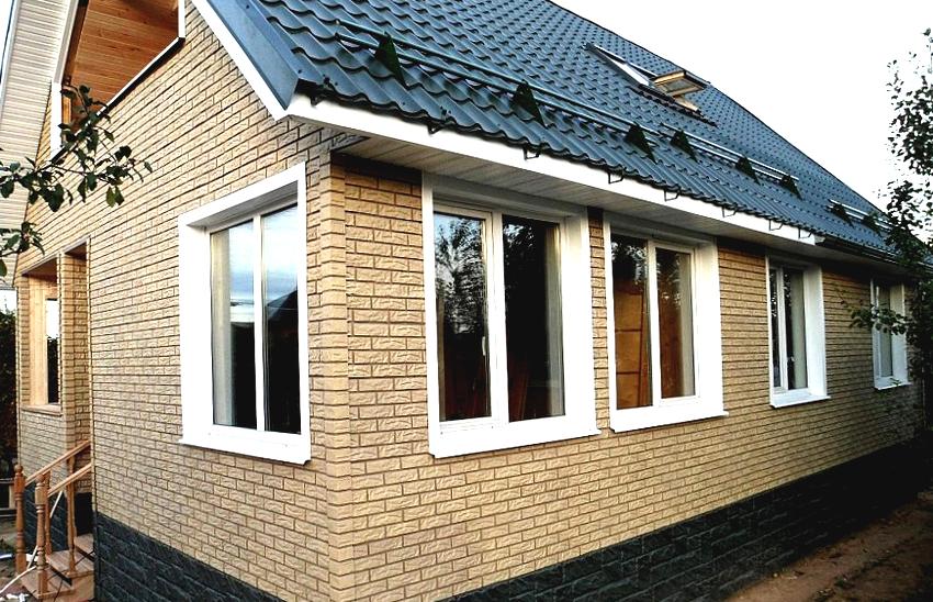 Фасадные панели под кирпич Wandstein продолжительное время не выгорают на солнце и не теряют целостность
